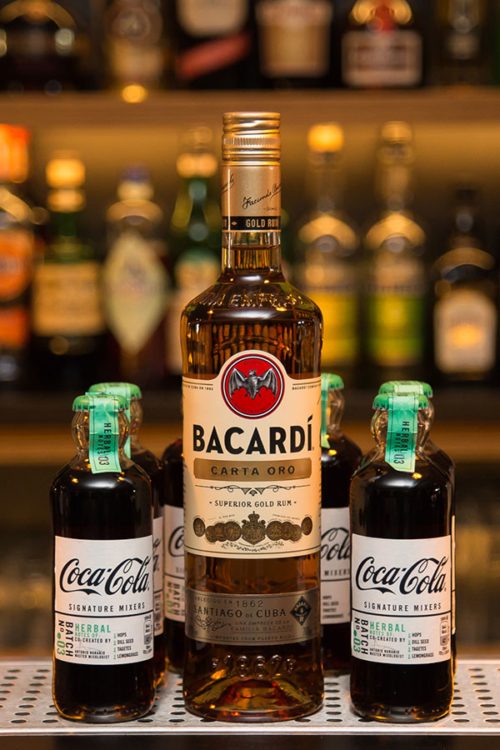 Bacardi Oro & Herbal Coca Cola